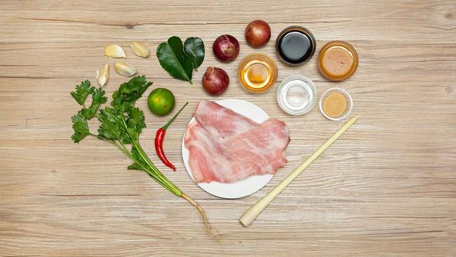 Công thức ướp thịt nướng mềm ngon thơm phức mẹ nào cũng có thể làm ngay - Ảnh 1.