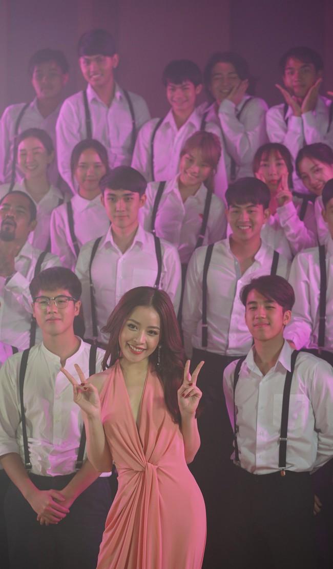 Bị chê không đủ khả năng làm ca sĩ, Chi Pu vẫn tự tin hát tiếng Thái giữa dàn mỹ nhân châu Á - Ảnh 8.