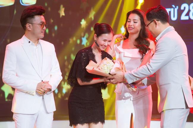 Sau mâu thuẫn, danh ca Phương Dung và Phi Nhung bất ngờ chạm mặt  - Ảnh 9.