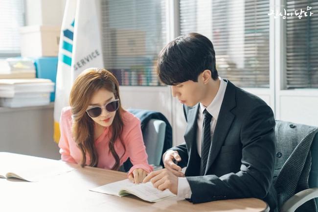 Lee Dong Wook - Yoo In Na lại bị nghi phim giả tình thật khi cùng nhau làm điều này trong hậu trường  - Ảnh 6.