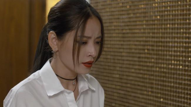 Bị mẹ kế phát hiện giả mạo thân phận, Chi Pu trơ trẽn ngã vào lòng Bình An khóc nức nở - Ảnh 3.
