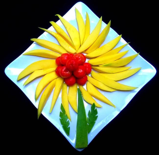 Lác mắt với những cách cắt xếp trái cây đẹp mê hồn của mẹ đảm Sài Gòn - Ảnh 8.
