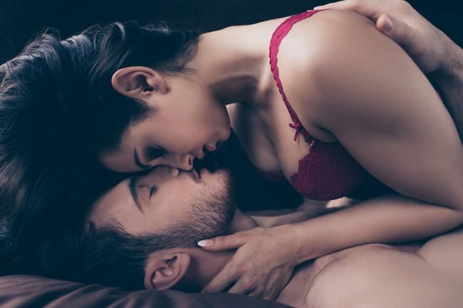 Uống thuốc kích dục để sex liên tục trong 5 giờ, người phụ nữ 32 tuổi mất mạng - Ảnh 1.