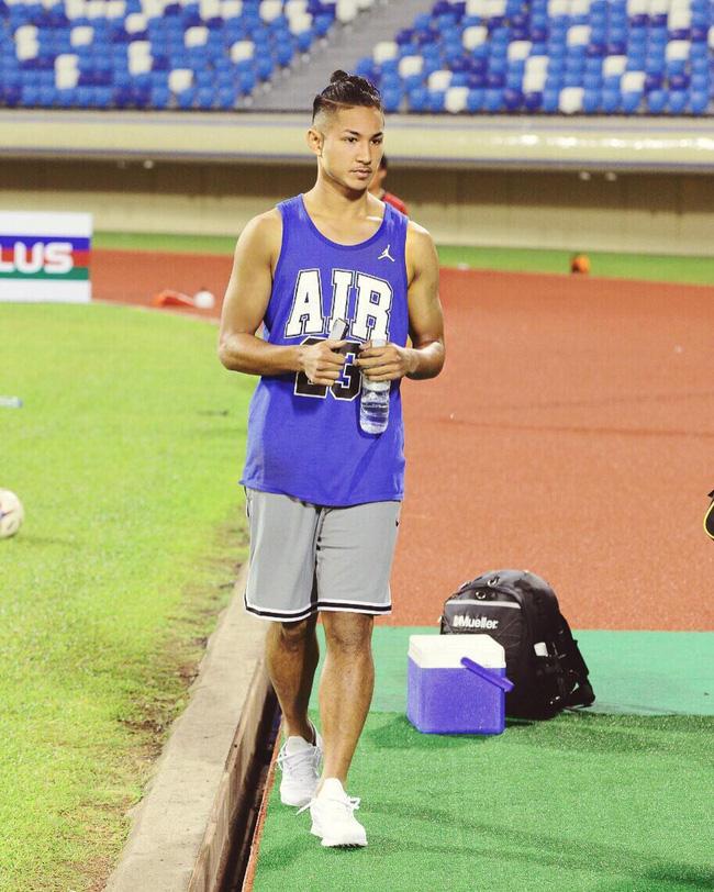 Cận mặt chân sút con nhà hoàng tộc, sở hữu tài sản 461 nghìn tỷ của đội tuyển Brunei tại vòng loại U23 Châu Á - Ảnh 9.