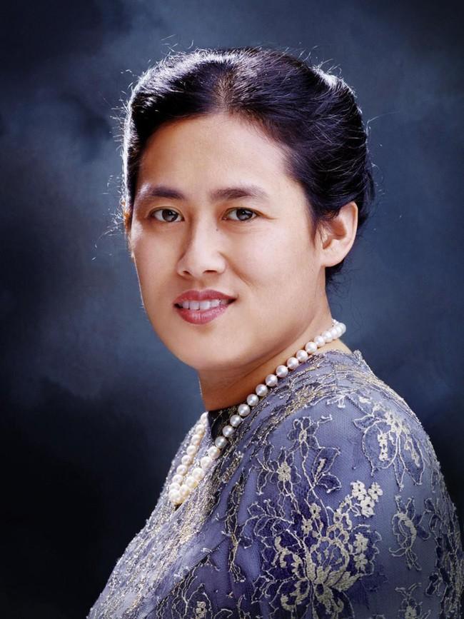 3 nàng công chúa nổi tiếng Thái Lan: Nhan sắc ở mức thường thường bậc trung nhưng ai cũng phải kiêng nể, đến đấng mày râu cũng nghiêng mình bái phục vì điều này - Ảnh 4.