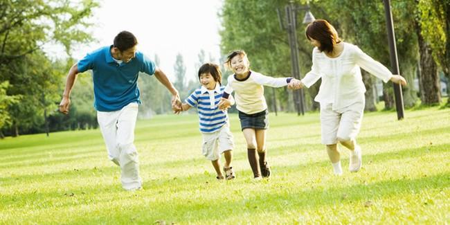 Những điều cha mẹ nên làm để có những phút giây thật ý nghĩa bên con trong cuộc sống bận rộn này - Ảnh 3.