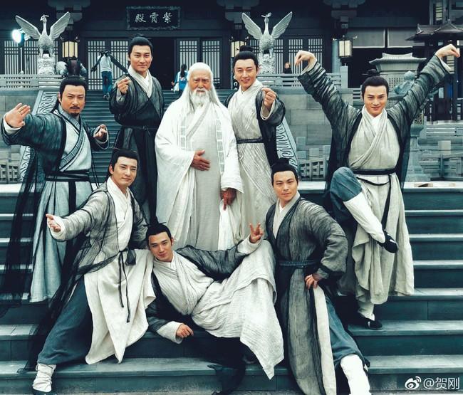 Ai đã lỡ chê bai Trương Tâm Phong của Tân Ỷ thiên quá già thì nhất định đừng xem, nếu không sẽ xấu hổ đấy!  - Ảnh 2.