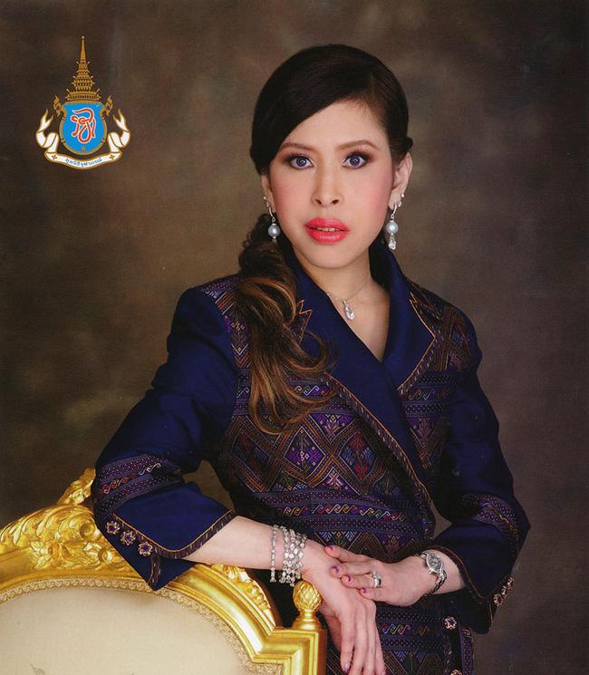 3 nàng công chúa nổi tiếng Thái Lan: Nhan sắc ở mức thường thường bậc trung nhưng ai cũng phải kiêng nể, đến đấng mày râu cũng nghiêng mình bái phục vì điều này - Ảnh 7.