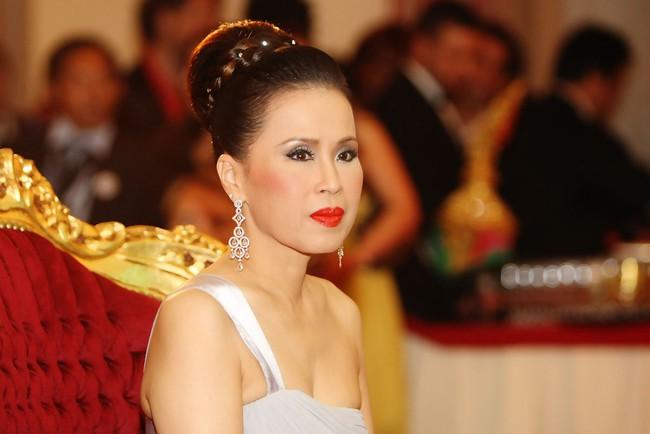 3 nàng công chúa nổi tiếng Thái Lan: Nhan sắc ở mức thường thường bậc trung nhưng ai cũng phải kiêng nể, đến đấng mày râu cũng nghiêng mình bái phục vì điều này - Ảnh 2.