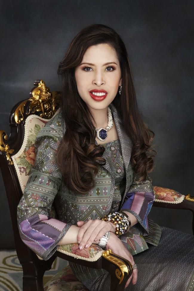 3 nàng công chúa nổi tiếng Thái Lan: Nhan sắc ở mức thường thường bậc trung nhưng ai cũng phải kiêng nể, đến đấng mày râu cũng nghiêng mình bái phục vì điều này - Ảnh 6.