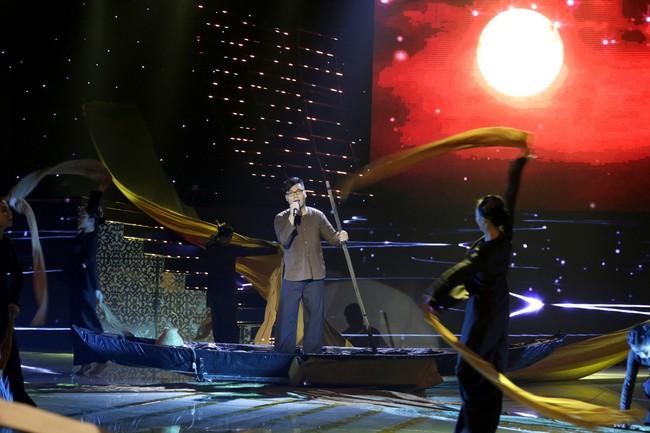 Hamlet Trương khiến đàn chị xinh đẹp khóc cạn nước mắt trên sân khấu Bolero - Ảnh 8.