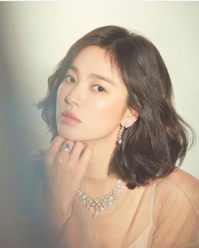 Song Joong Ki đăng ảnh ngọt ngào chụp cùng Song Hye Kyo đập tan tin đồn ly hôn nhưng sự thật là gì? - Ảnh 3.