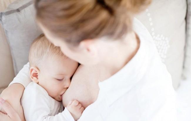 Nguyên tắc giúp con cai sữa mẹ thành công, hiệu quả nhưng vẫn có lợi cho trẻ các mẹ bỉm sữa nên nhớ - Ảnh 1.