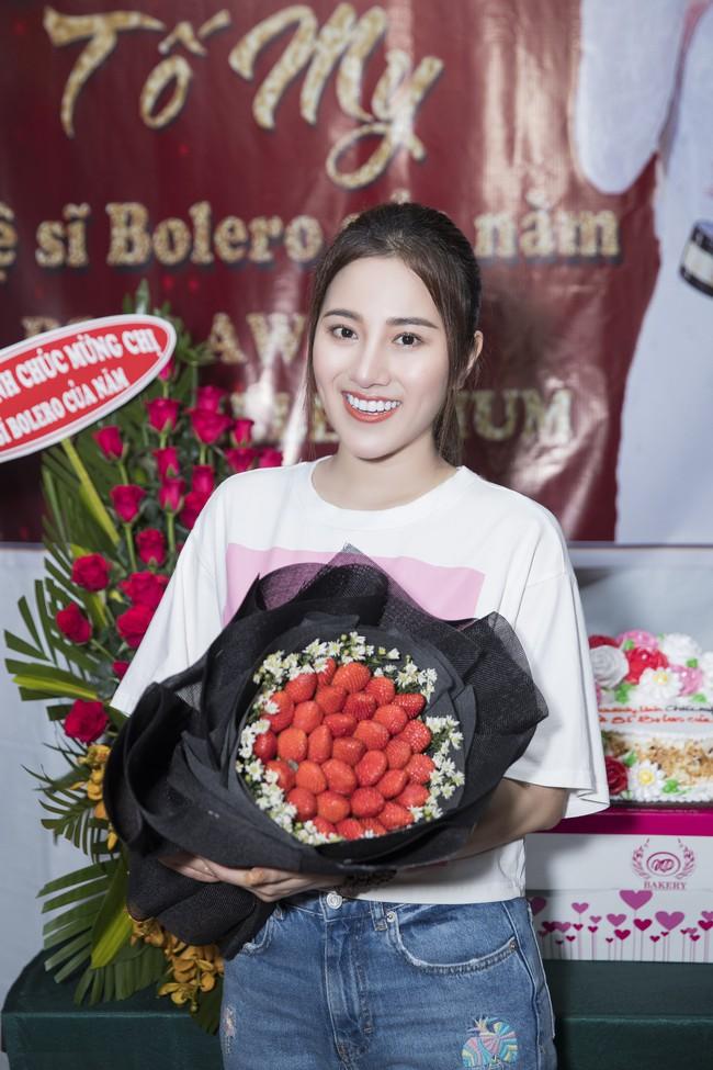 Ngọc nữ bolero Tố My vừa nấu ăn đãi fan vừa hát Bolero cực ngọt  - Ảnh 6.