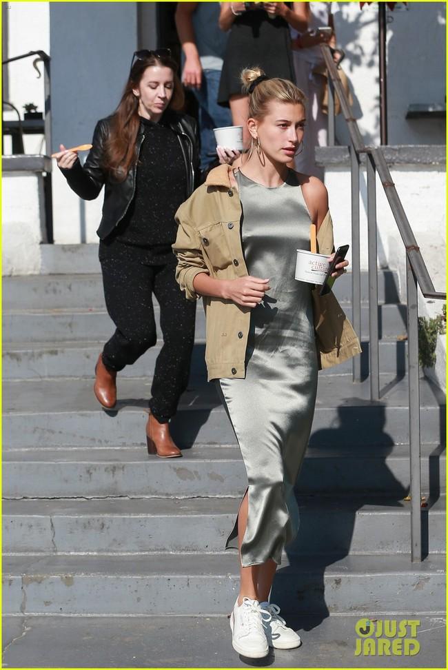 Từng quý mến Selena nhưng mẹ Justin Bieber lại làm điều này với con dâu mới thay vì tình cũ của con trai - Ảnh 2.