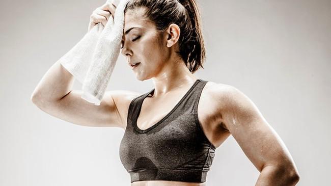 Đang tập yoga hăng say, người phụ nữ bất ngờ bị đột quỵ vì thực hiện động tác này - Ảnh 6.