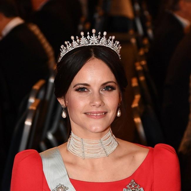 Bên cạnh 2 nàng dâu Hoàng gia Anh, thế giới vẫn còn những công nương và công chúa khác xinh đẹp, quyến rũ và quyền lực đến thế này - Ảnh 10.
