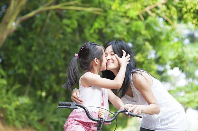 Mẹ có con gái nhất định không được bỏ qua 7 việc làm này để giúp con trở nên tự tin, cứng cỏi và hạnh phúc hơn - Ảnh 4.
