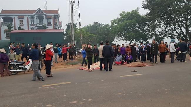 Vĩnh Phúc: Xe khách đâm trực diện đoàn người đưa tang, 7 người tử vong, nhiều người bị thương - Ảnh 5.