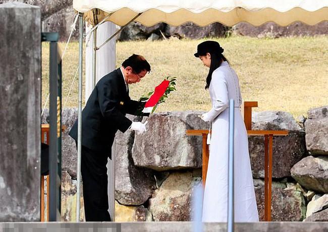 Mặc trang phục kín từ đầu đến chân, Công chúa Nhật Bản vẫn gây sốt nhờ vẻ đẹp không tỳ vết và tiết lộ mẫu bạn trai lý tưởng chỉ vẻn vẹn có 2 từ - Ảnh 2.