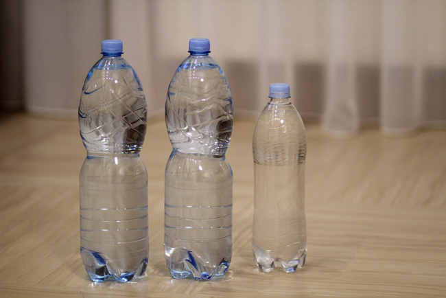 Con gái 5 tuổi kêu đau bụng, bố không đưa đi khám bác sĩ mà ép con uống liền 5 lít nước để rồi phải hối hận đến mức muốn chết - Ảnh 5.