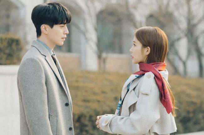 Lee Dong Wook lần đầu thừa nhận gặp khó khăn khi diễn cùng Yoo In Na - Ảnh 3.