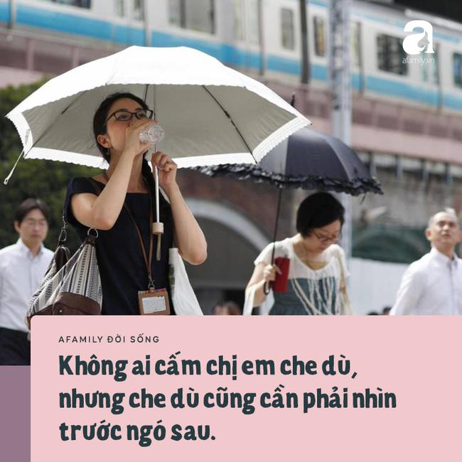 Chuyện ô dù của chị em công sở Sài Gòn: Da có thể đen nhưng ý tứ nhất định không được để mất! - Ảnh 2.