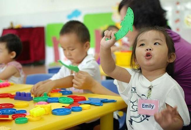 Chuyên gia chỉ ra có 3 câu không nên hỏi khi đón con từ trường mẫu giáo về, đa số bố mẹ nào cũng mắc phải - Ảnh 3.