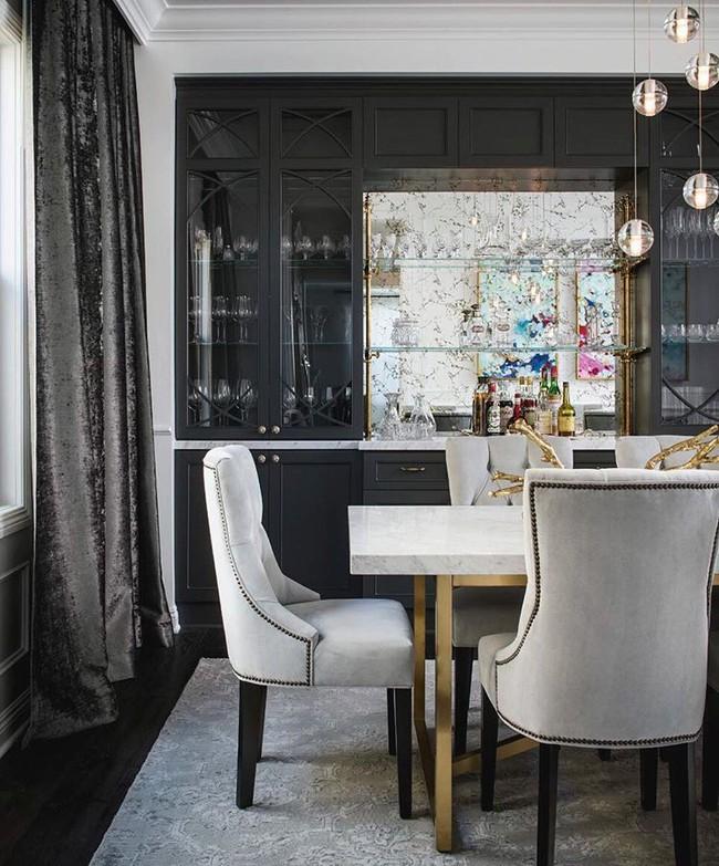 Chiêm ngưỡng vẻ đẹp thanh lịch hút hồn của những căn phòng ăn màu cơ bản - Ảnh 1.