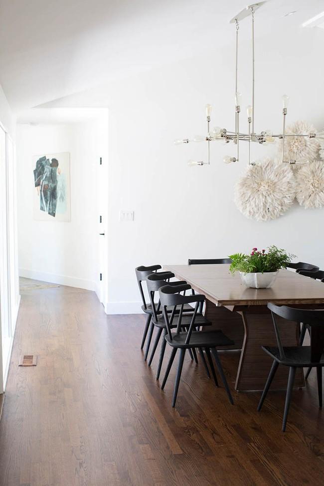 Chiêm ngưỡng vẻ đẹp thanh lịch hút hồn của những căn phòng ăn màu cơ bản - Ảnh 8.