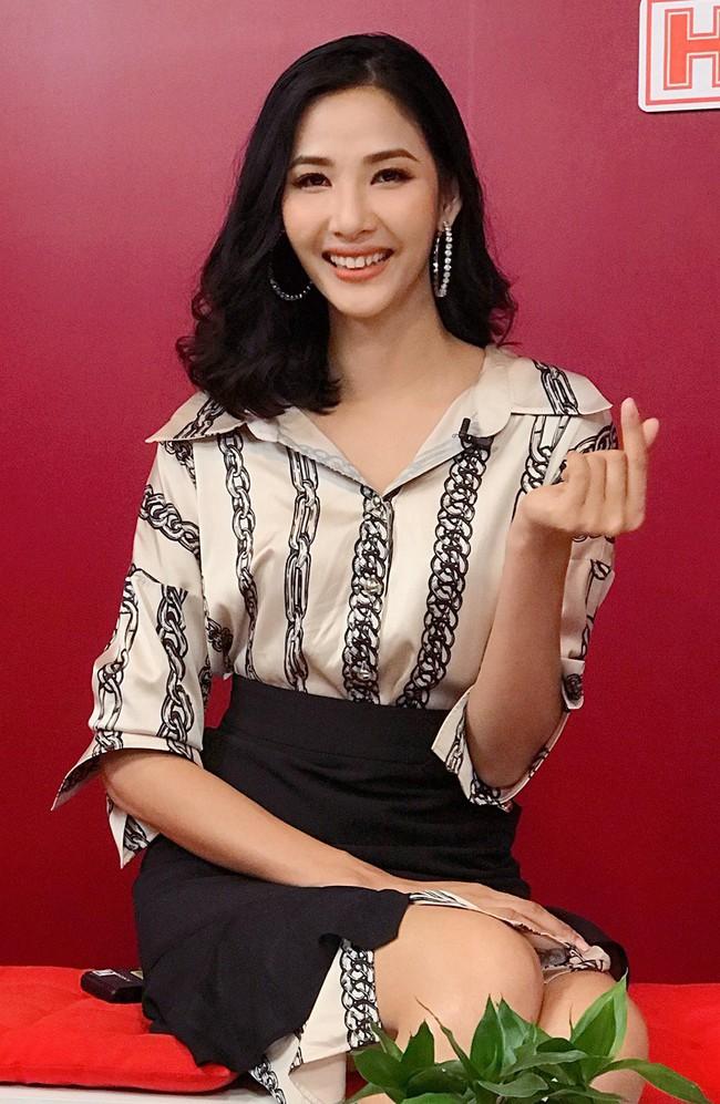 Hoàng Thùy khẳng định không cạnh tranh, giành giật khi đi thi Hoa hậu  - Ảnh 6.