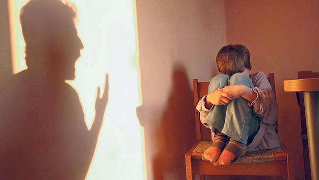 Người bố mà cứ duy trì 5 thói quen này thì sẽ làm tổn thương con trẻ vô cùng - Ảnh 3.