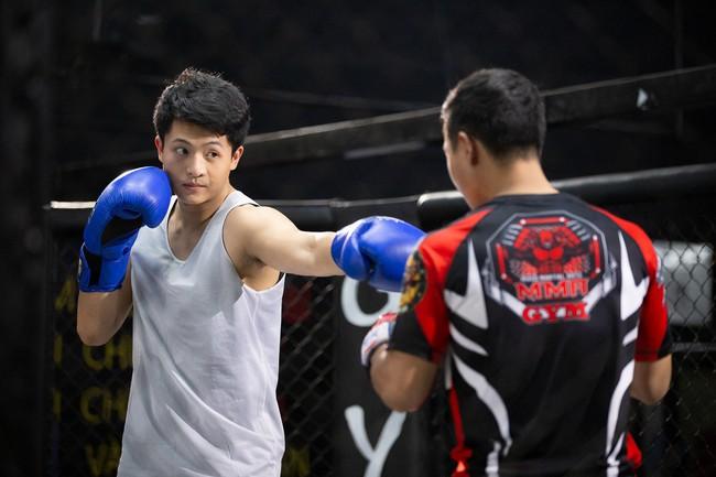 Vừa tái xuất, Harry Lu đã vướng phải tình tay ba với Trịnh Thảo - Sĩ Thanh - Ảnh 2.