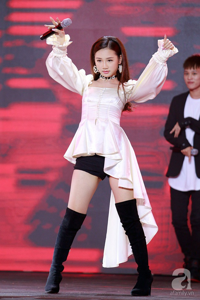 Super Junior khiến khán giả Việt vỡ òa với loạt hit khủng sau 7 năm - Ảnh 18.