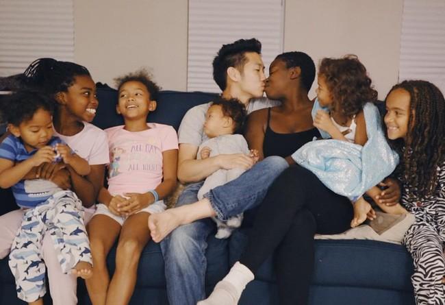 Chuyện tình của cặp đôi chàng Hàn nàng gốc Phi: Bạn từ thời trung học, đến với nhau khi nàng đã qua 2 lần đò và có tận 4 đứa con riêng - Ảnh 3.