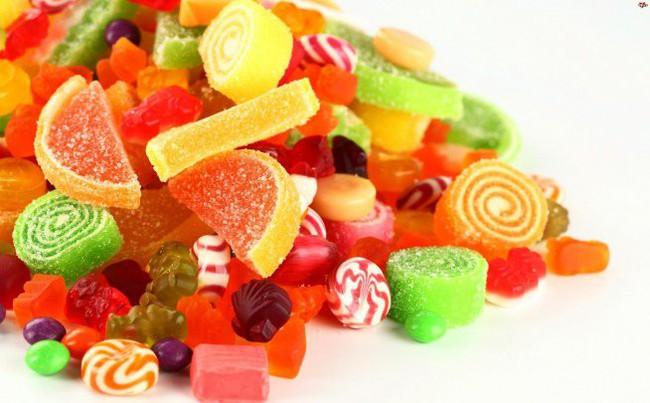 Thủ phạm gây sâu răng núp bóng những món ăn vặt được yêu thích mà cha mẹ hay cho con ăn mỗi ngày - Ảnh 3.