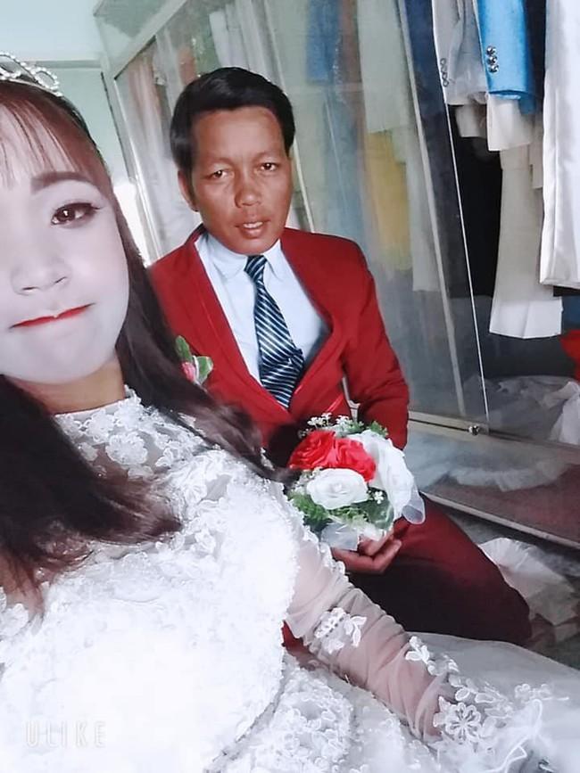 Cô dâu trắng như tượng sáp sau khi trang điểm khiến dân mạng được phen cười lăn lộn - Ảnh 3.