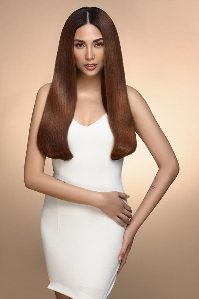 Nhìn những hình ảnh này của Võ Hoàng Yến mới thấy rõ lợi thế của mái tóc bồng bềnh suôn mượt - Ảnh 7.