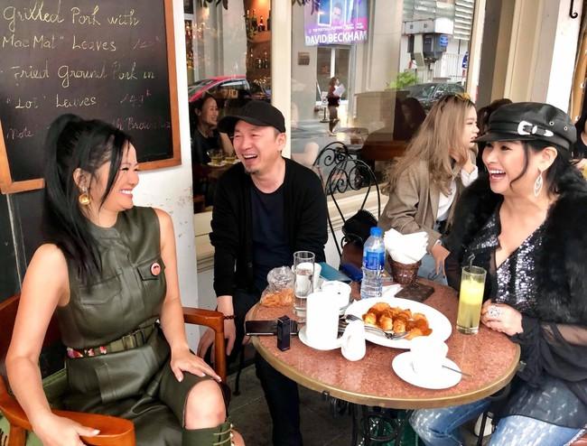 Vô tư ngồi lên đùi Quốc Trung trước mặt Thanh Lam, Hồng Nhung bất ngờ lên tiếng về tin đồn từng là người thứ ba làm cuộc hôn nhân của Quốc Trung - Thanh Lam tan vỡ 17 năm trước - Ảnh 3.