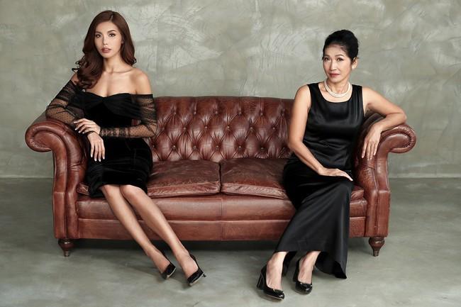 Chụp ảnh cùng con gái, mẹ Minh Tú khiến ai cũng xuýt xoa vì quá trẻ trung, xinh đẹp  - Ảnh 5.