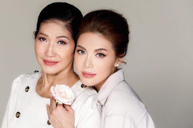 Chụp ảnh cùng con gái, mẹ Minh Tú khiến ai cũng xuýt xoa vì quá trẻ trung, xinh đẹp  - Ảnh 9.