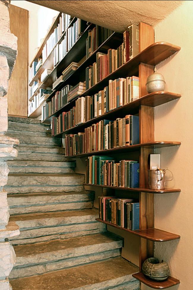 10 mẫu thiết kế cầu thang kiêm tủ sách dưới đây sẽ biến nhà bạn trở thành một thư viện đích thực - Ảnh 2.
