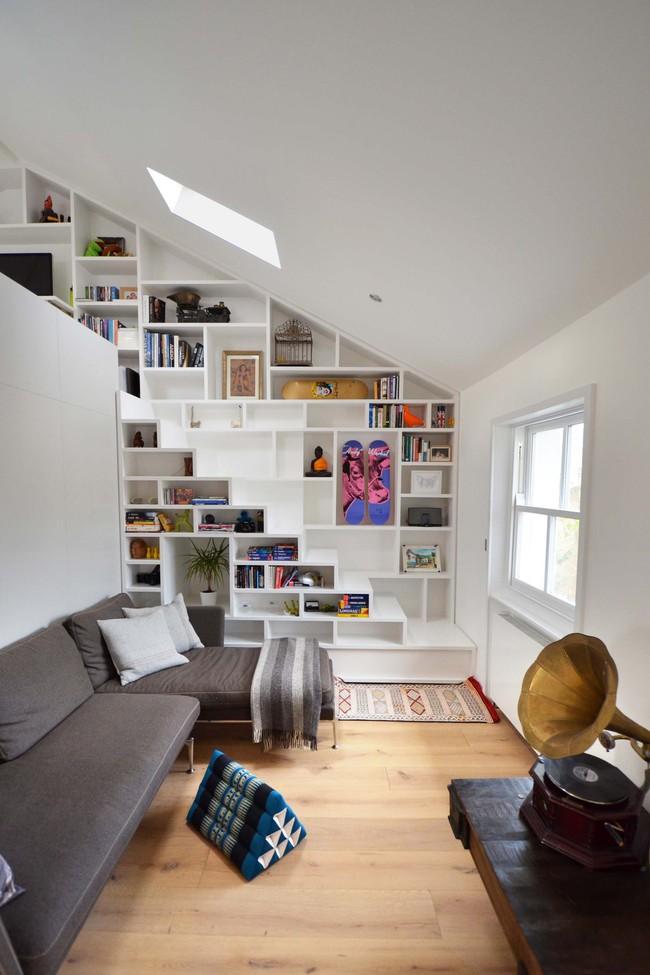 10 mẫu thiết kế cầu thang kiêm tủ sách dưới đây sẽ biến nhà bạn trở thành một thư viện đích thực - Ảnh 7.