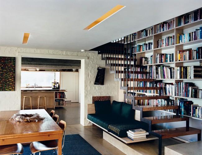 10 mẫu thiết kế cầu thang kiêm tủ sách dưới đây sẽ biến nhà bạn trở thành một thư viện đích thực - Ảnh 8.