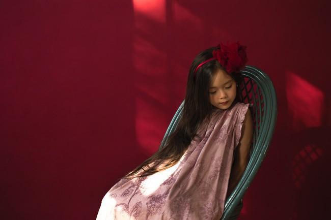 Công chúa lai nhà Đoan Trang xinh đẹp hút hồn qua ống kính cậu ruột - Ảnh 3.