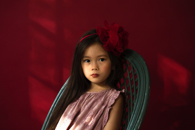 Công chúa lai nhà Đoan Trang xinh đẹp hút hồn qua ống kính cậu ruột - Ảnh 5.