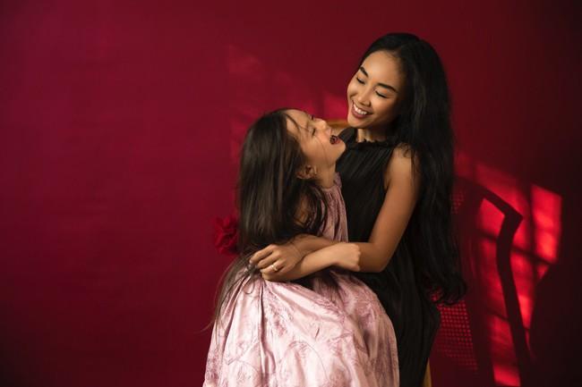 Công chúa lai nhà Đoan Trang xinh đẹp hút hồn qua ống kính cậu ruột - Ảnh 7.