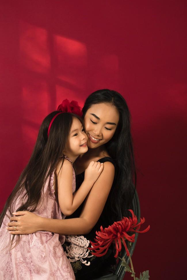 Công chúa lai nhà Đoan Trang xinh đẹp hút hồn qua ống kính cậu ruột - Ảnh 8.