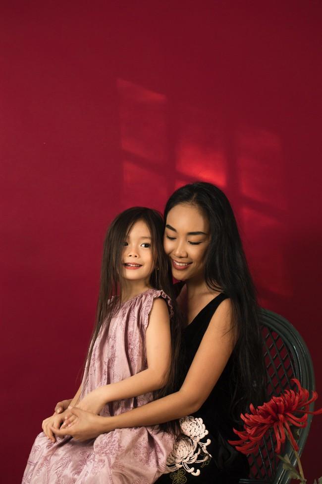 Công chúa lai nhà Đoan Trang xinh đẹp hút hồn qua ống kính cậu ruột - Ảnh 10.