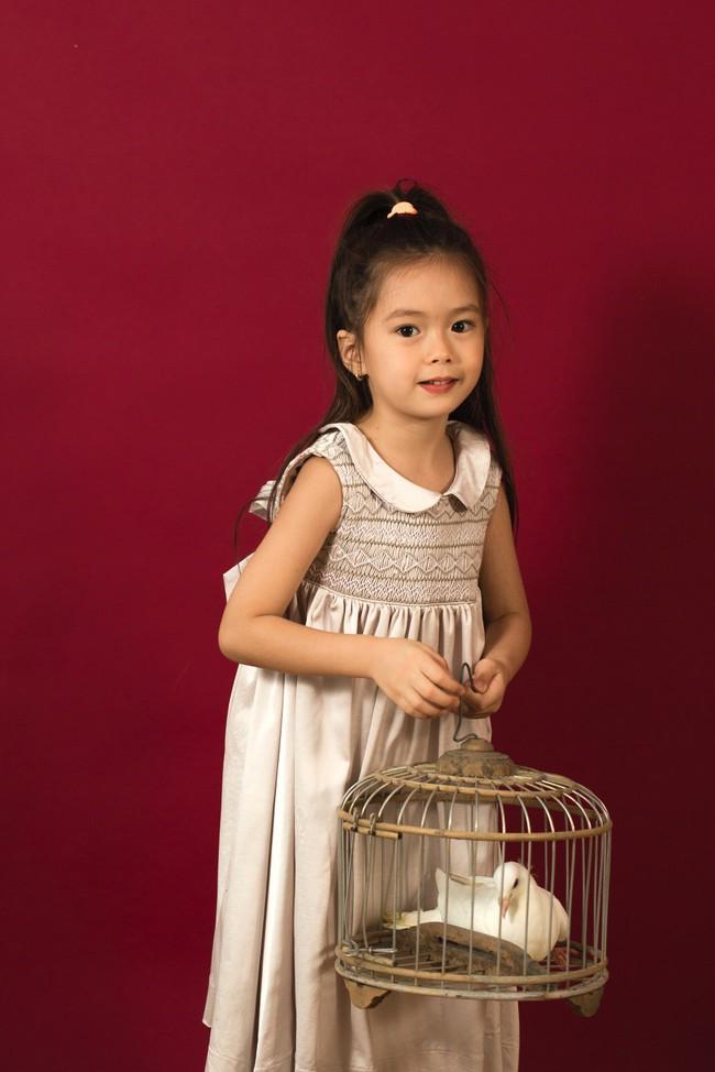 Công chúa lai nhà Đoan Trang xinh đẹp hút hồn qua ống kính cậu ruột - Ảnh 11.